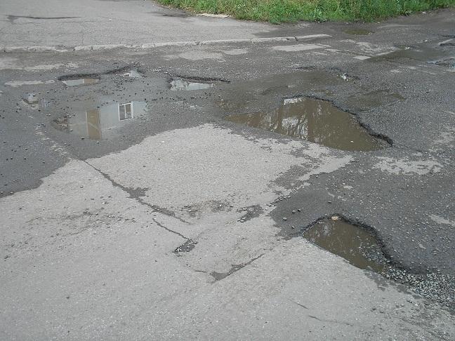 Дорогу к детскому саду в Омске отремонтировали только благодаря суду