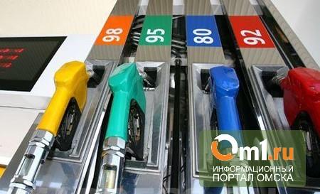 Ослабление рубля остановило рост цен на бензин