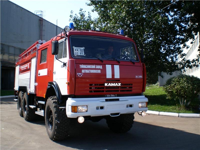 В Омске загорелся пассажирский автобус во время следования