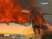В Сирии смертники подорвали две машины