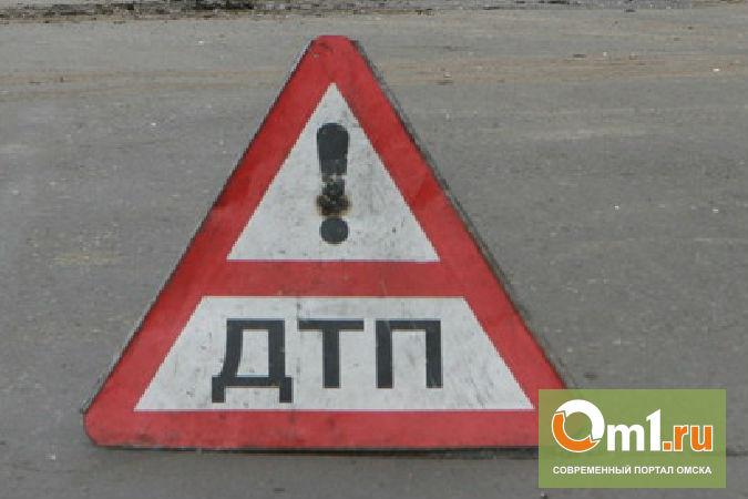 В Омске у «Каскада» водитель Тойоты врезался в патрульный автомобиль