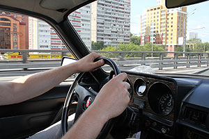 УФНС предлагает омским автолюбителям онлайн-калькулятор транспортного налога
