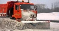 Ночью в Омске убирало снег 90 машин