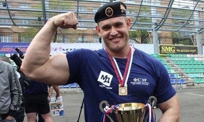 Шварцнеггер пригласил омича побороться за звание сильнейшего человека