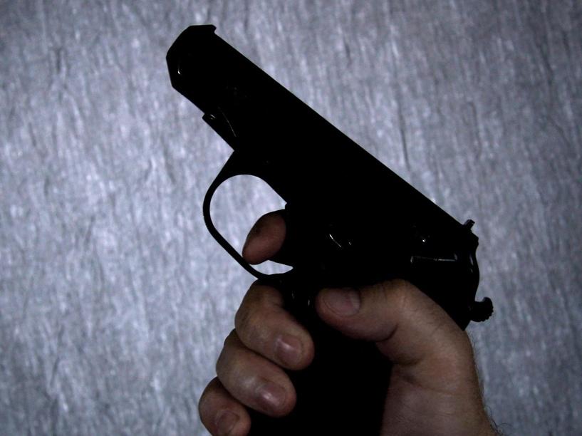 На Дне города омича ранили из пневматического пистолета
