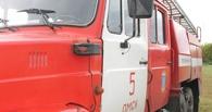 В Омске произошел крупный пожар — загорелись гараж и частный дом