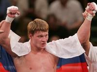 Боксер Поветкин в четвертый раз защитил титул чемпиона мира