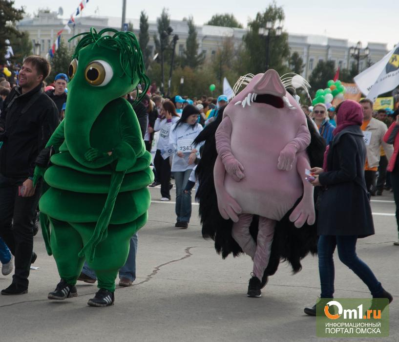 SIM-2013 омичи превратили в шоу и карнавал