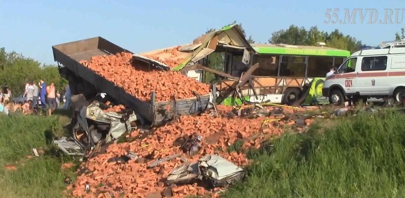 СМИ: авария на Сыропятском тракте могла произойти из-за сердечного приступа