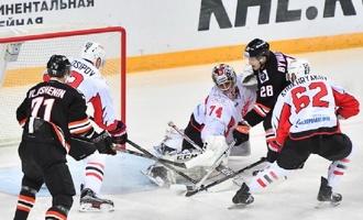 «Авангард» одержал пятую победу подряд в КХЛ, всухую обыграв «Амур»