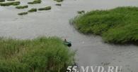 В Омской области полицейским пришлось спасать рыбака с помощью вертолета
