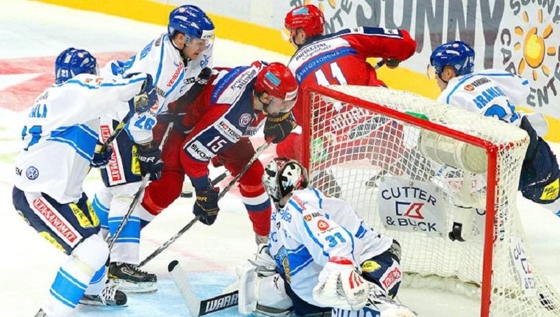 Попали на шведов: российские хоккеисты проиграли Финляндии последний матч в группе на ЧМ