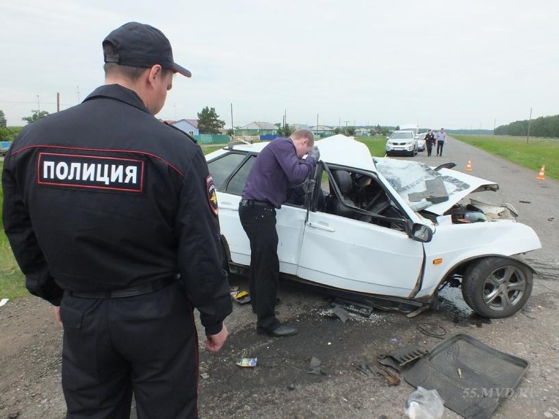 Водитель, который врезался в остановку в Омской области, был трезв