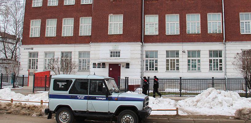 В Костроме во время уроков в школе рухнул потолок
