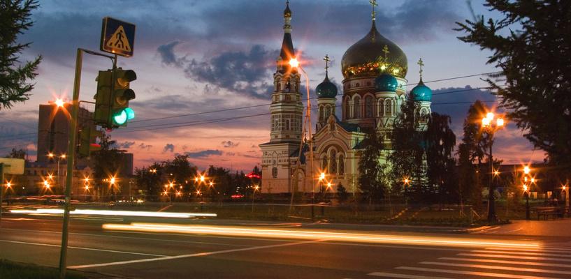 Обзор ситуации на дорогах в Омске: затор на Красном Пути и ДТП на 70-летии Октября