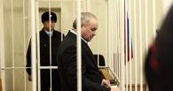 Олега Шишова в спецвагоне для заключенных доставили во Владивосток