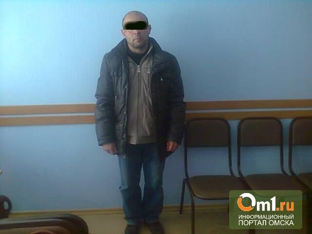 В Омске уволенный дворник украл две бензопилы