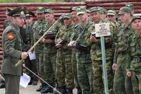 Минобороны вернет 55 тысяч прапорщиков, уволенных Сердюковым