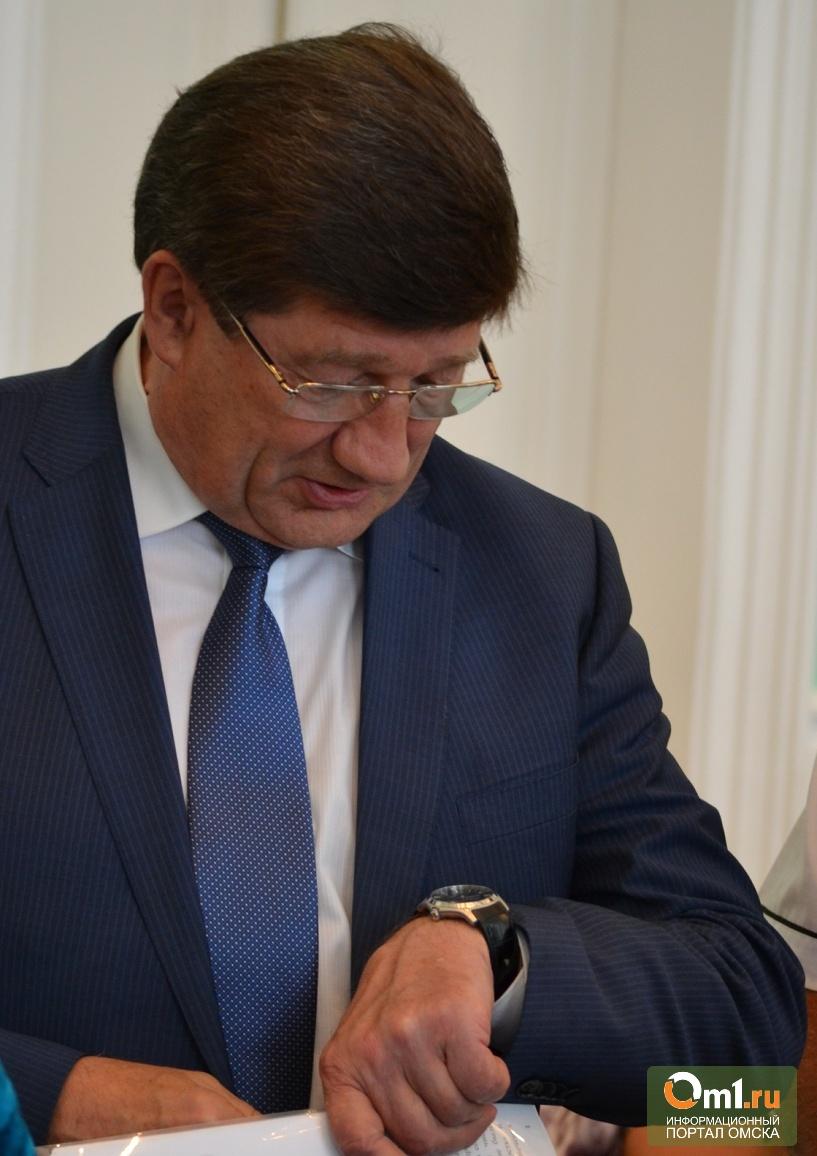 Мэр Двораковский поехал пробовать мед и шашлык на «АгроОмске»