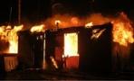 В Омске ночью горела бытовка
