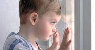 В Калачинске из окна выпал 2-летний ребенок