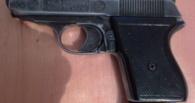 Полицейские наказали омича за потерю газового пистолета