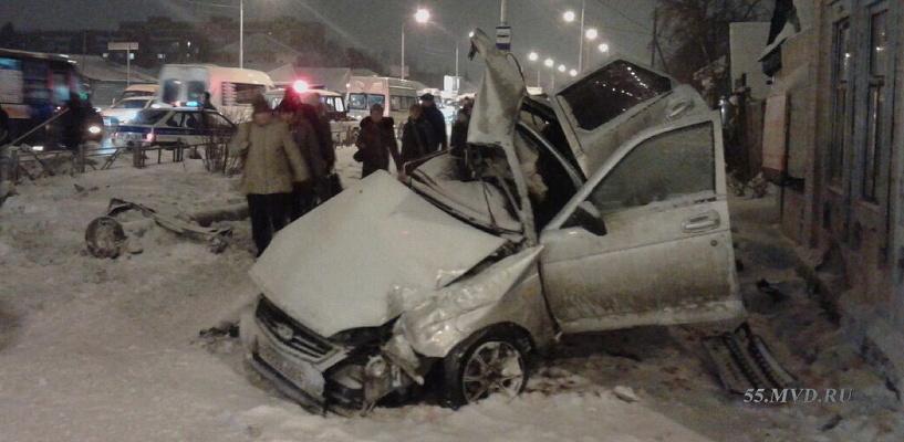 19-летняя автоледи обвиняется в гибели 2 пассажиров в ДТП на 24-й Северной