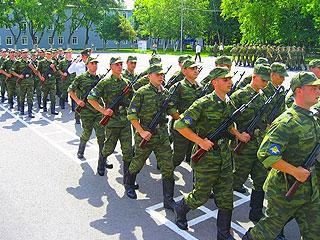 Омская «Молодая гвардия» не готова служить в армии два года