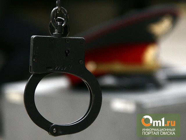 В омском ТК «Триумф» задержали полицейского с героином