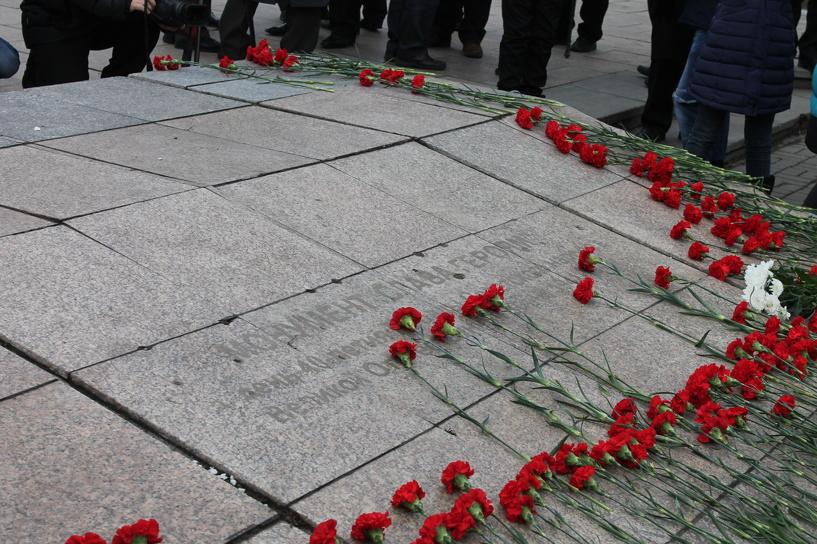 В Омске прошел митинг, посвященный обновлению мемориала на Бульваре Победы