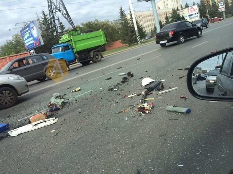 В Омске у администрации Советского округа столкнулись шесть автомобилей