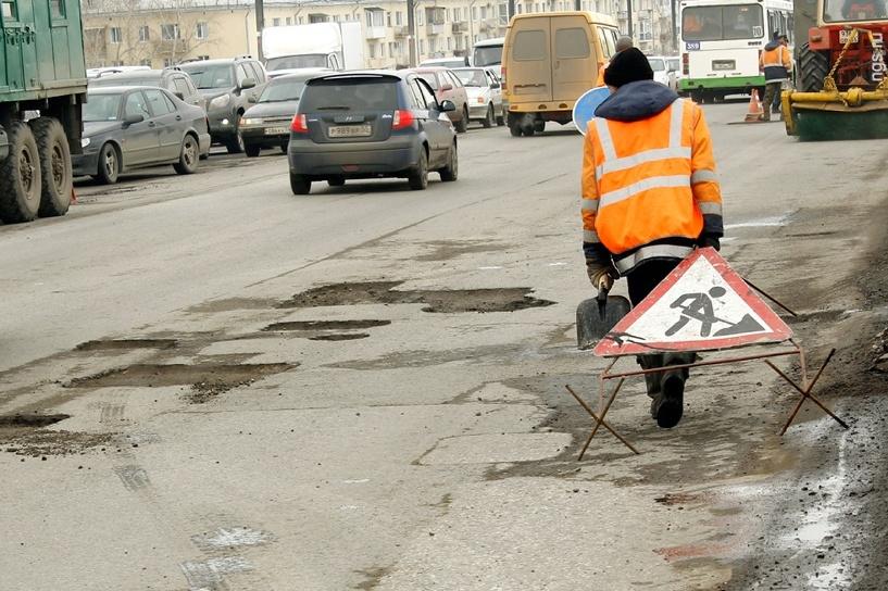 На ремонт омских дорог выделено 86 млн рублей