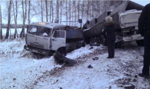 На трассе «Омск – Тюмень» в результате ДТП погиб водитель «КамАЗа»
