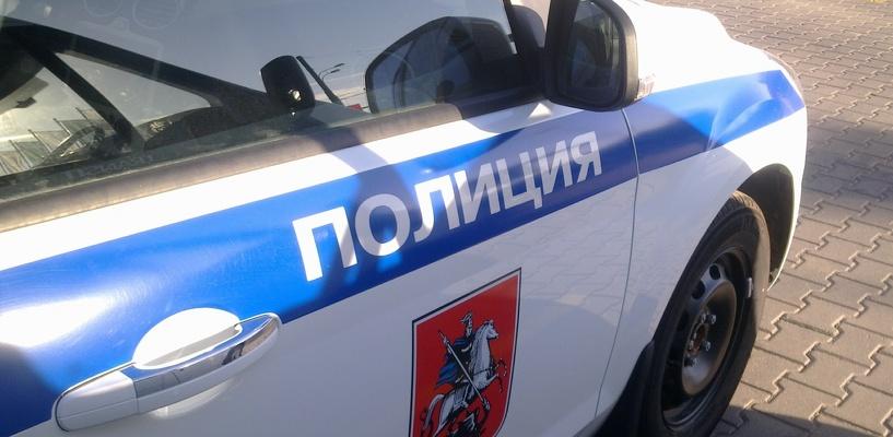 В Омске мужчина грабил магазины, обливая продавцов бензином