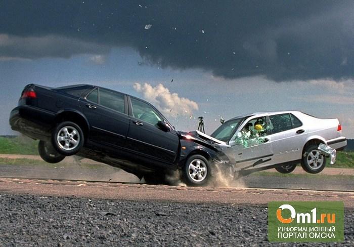 В Омске на 22 Декабря ВАЗ протаранил грузовую «ГАЗель» и фургон