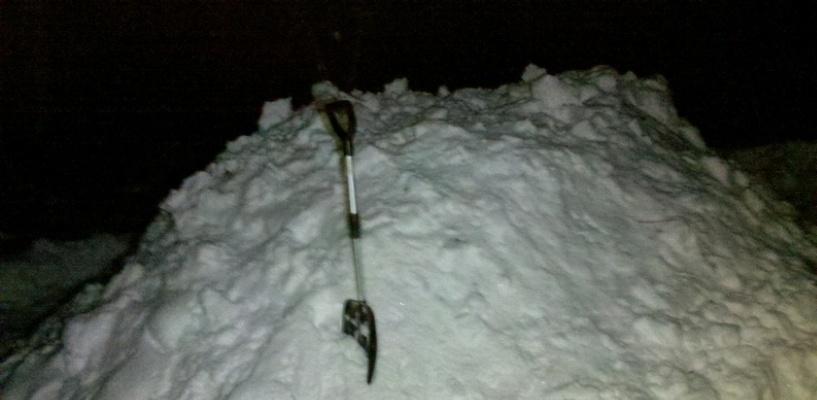 Омич прятал в сугробе возле дома украденные ружья