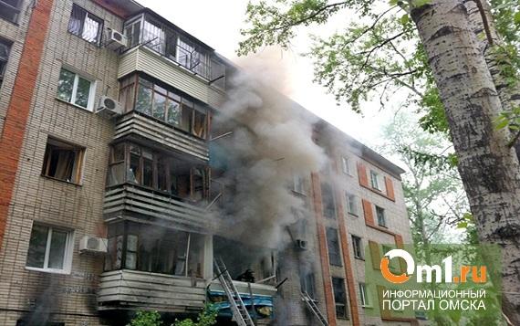 Омские огнеборцы спасли 10 человек на пожаре в Нефтяниках