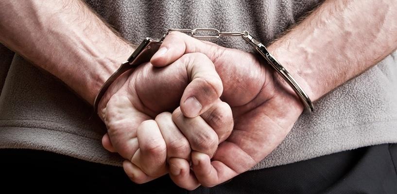 В Омске бывший наркополицейский осужден на 19 лет за поставку героина