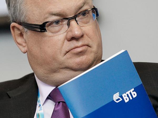 Forbes назвал главу ВТБ Андрея Костина самым дорогим топ-менеджером России