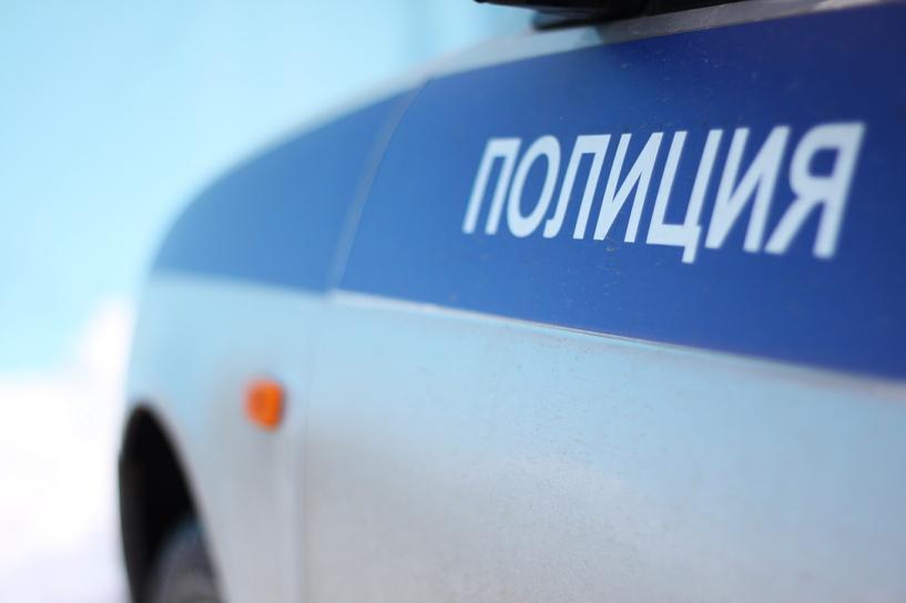 Омич в течение двух лет насиловал 12-летнюю дочь своей подруги