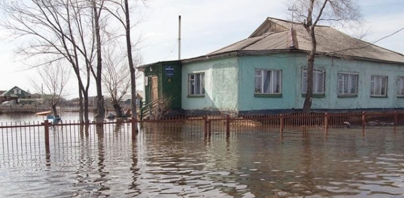 Глава Усть-Ишимского района отрицает информацию о фекалиях, плывущих по улицам
