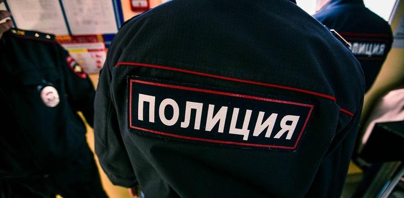 В Омской области женщина напала на молодую пару с ножом