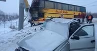 В Омске в лобовом столкновении с автобусом погиб пассажир легковой Nexia