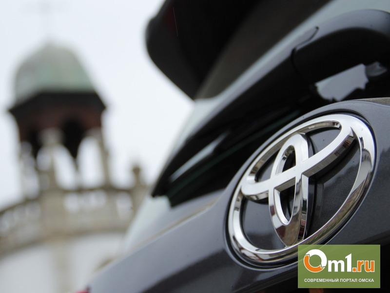 У 22-летней омички угнали Toyota RAV4