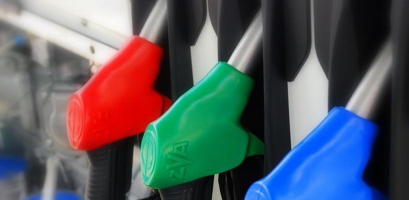 Омичи пожаловались на очередной скачок цен на бензин