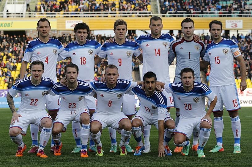 Спасибо файеру и Черногории: сборная России по футболу поднялась на 27 место в рейтинге FIFA