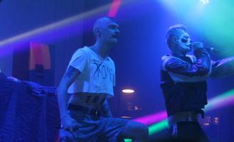 В Омске Little Big выступили с перечеркнутым «Томском»