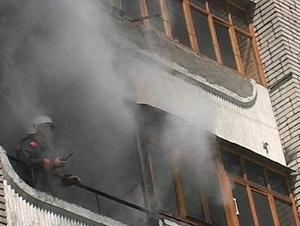 В Омске в Амуре из-за горевших вещей эвакуировали пятиэтажку