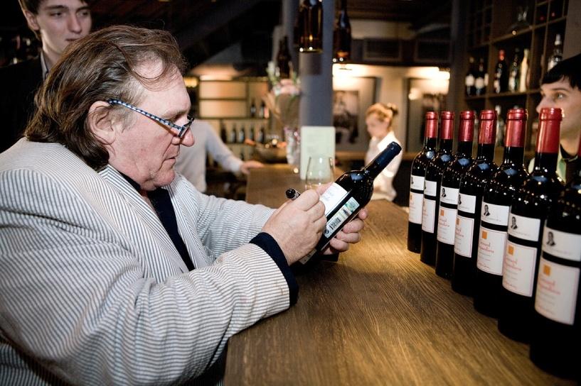 Жерар Депардье: я могу выпить до 14 бутылок в день