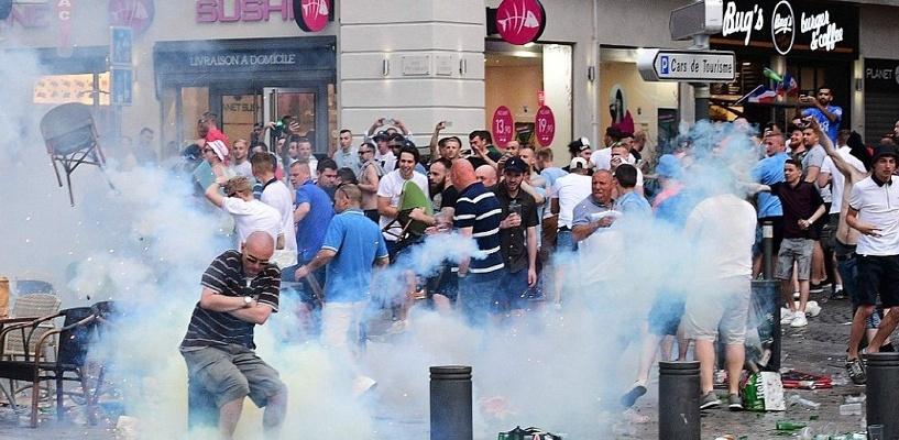 Заждались матча: в Марселе подрались футбольные фанаты сборных Англии и России. Видео
